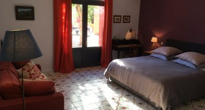 Coté Cour - Clos des Aspres - Charming bed and breakfast -southern france